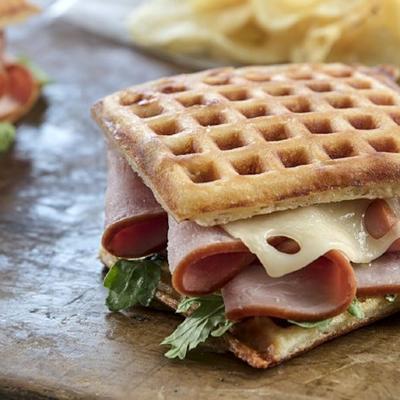 ızgara jambon ve peynirli gözleme sandviçleri