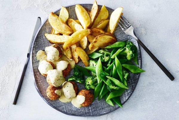 Patates ve brokoli ile İsveçli sebze topları
