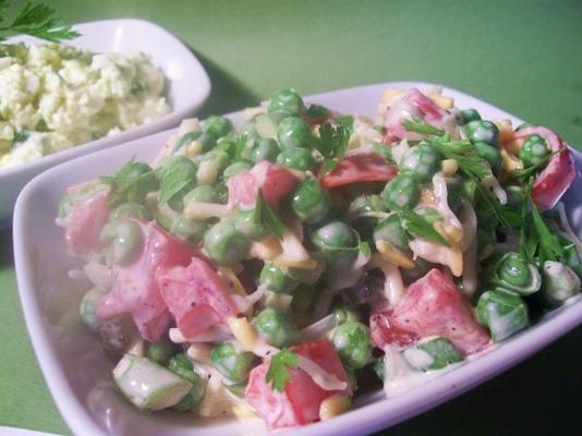 taze bahçe bezelye salatası