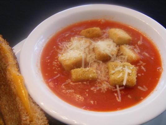 otlar ile hızlı kremalı domates çorbası