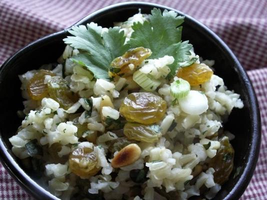 meyve ve fındıklı pilav