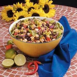 Siyah fasulye tavuk salatası
