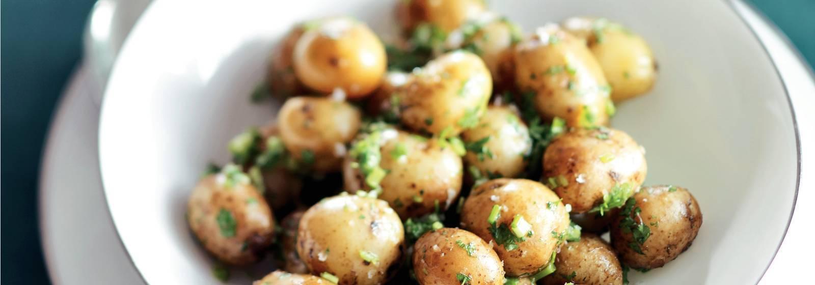 Ot tereyağı ile bebek patates